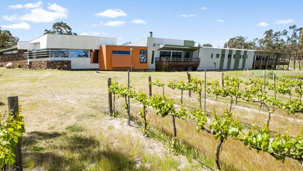 Contact – Queensland College of Wine Tourism
